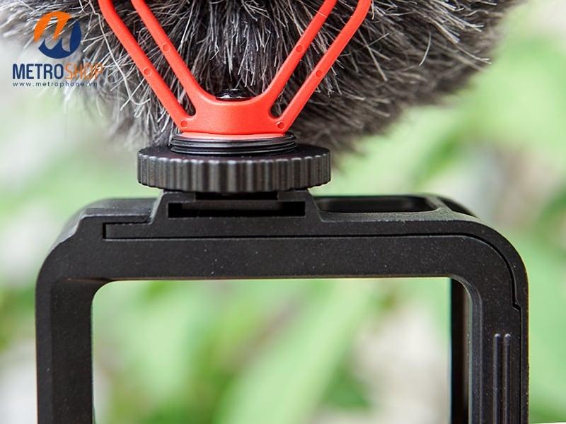 Khung bảo vệ GoPro 8 tích hợp khe gắn LED MIC