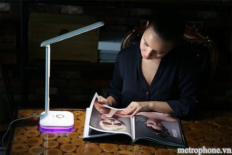 Đèn LED chiếu sáng Remax - Metrophone.vn
