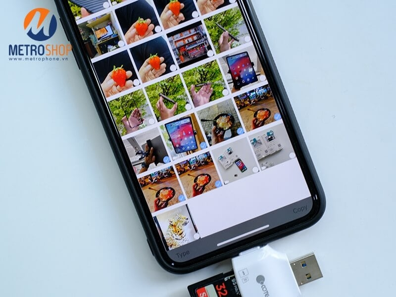 Hướng dẫn sử dụng đầu đọc thẻ đa năng tất cả trong một Coteetci - Hướng dẫn chép hình từ iPhone sang thẻ nhớ