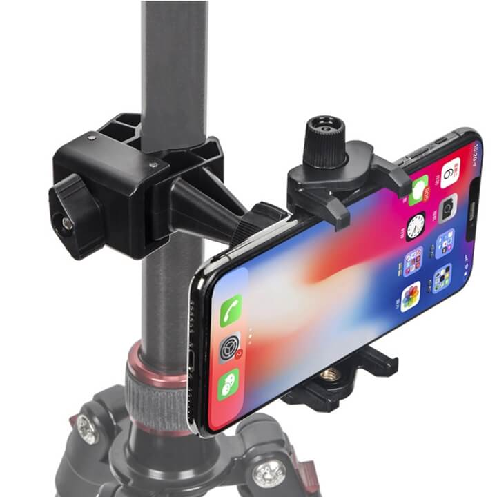 Kẹp điện thoại lên thân tripod Livestream nhiều máy