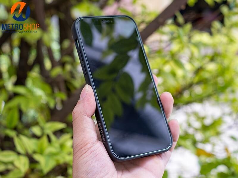ỐP LƯNG SYNTHETIC FIBER IPHONE 12 NILLKIN CHÍNH HÃNG